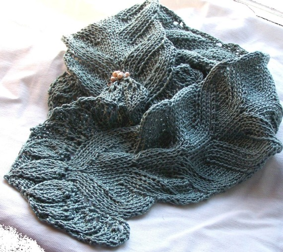 Knitting pattern for Spring Flora lace scarf