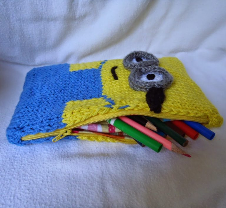 Free Knitting Pattern for Minion Pencil Box or Pouch