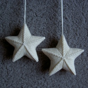 Free knitting pattern for Star Ornaments and more holiday decoration knitting patterns