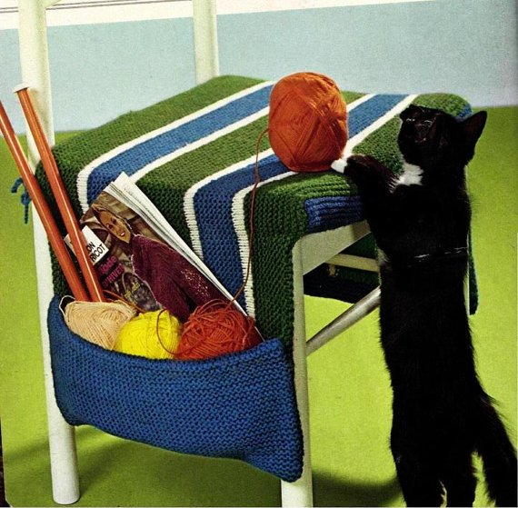 Knitting pattern for chair cushion with storage for knitting or crafts