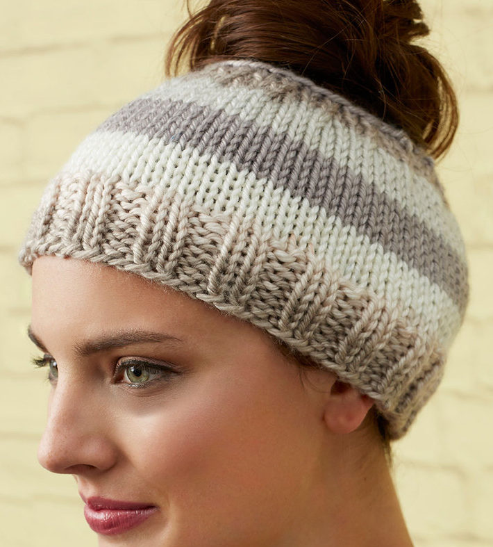 Messy Bun and Ponytail Hat Knitting Patterns- In the Loop Knitting b6a4f42c1a8