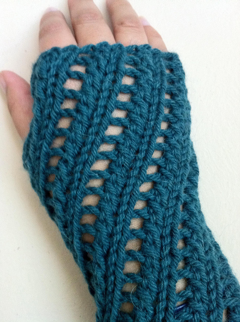 Free knitting pattern for Sudbury Fingerless Mitts and more wristwarmer knitting patterns