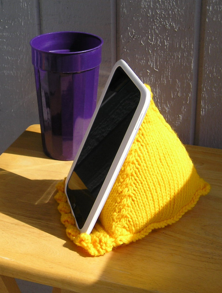 Knitting Pattern for Tablet Stand