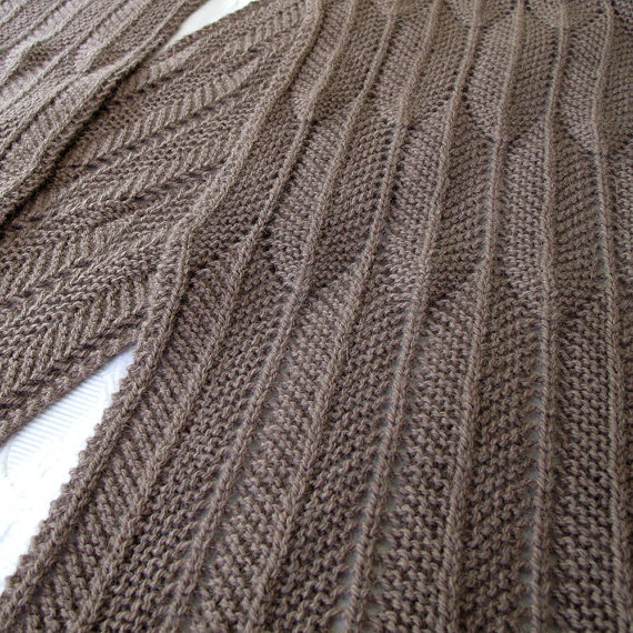 Knitting pattern for Tailfeathers Scarf