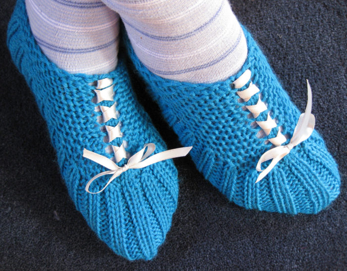 Free Knitting Pattern for Easy Tesha Slippers