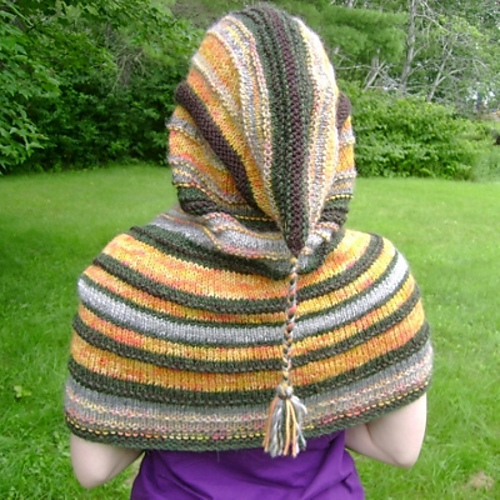 Free knitting pattern for Thorin's Hooded Cowl