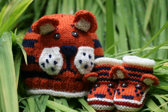 Knitting pattern for Tiger Paws Baby Hat and Booties