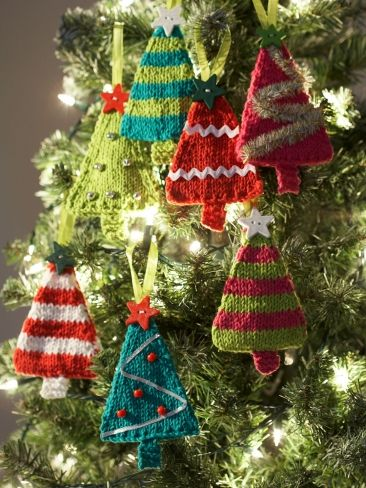 Free knitting pattern for Christmas Tree shaped ornaments and more holiday decoration knitting patterns