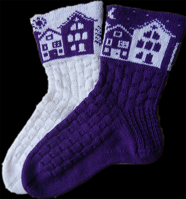 Free knitting pattern for Day and Night Reversible Socks