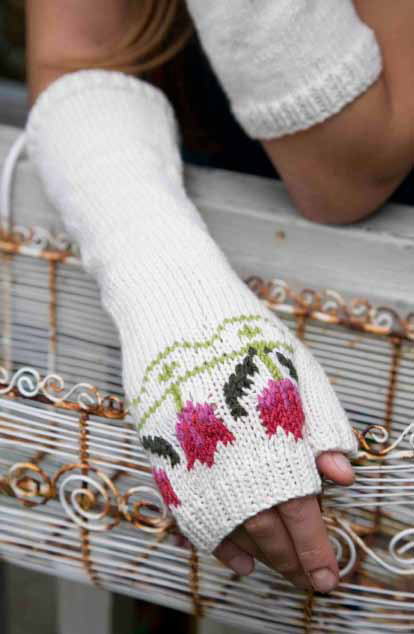 Free knitting pattern for Tulip Fingerless Gloves