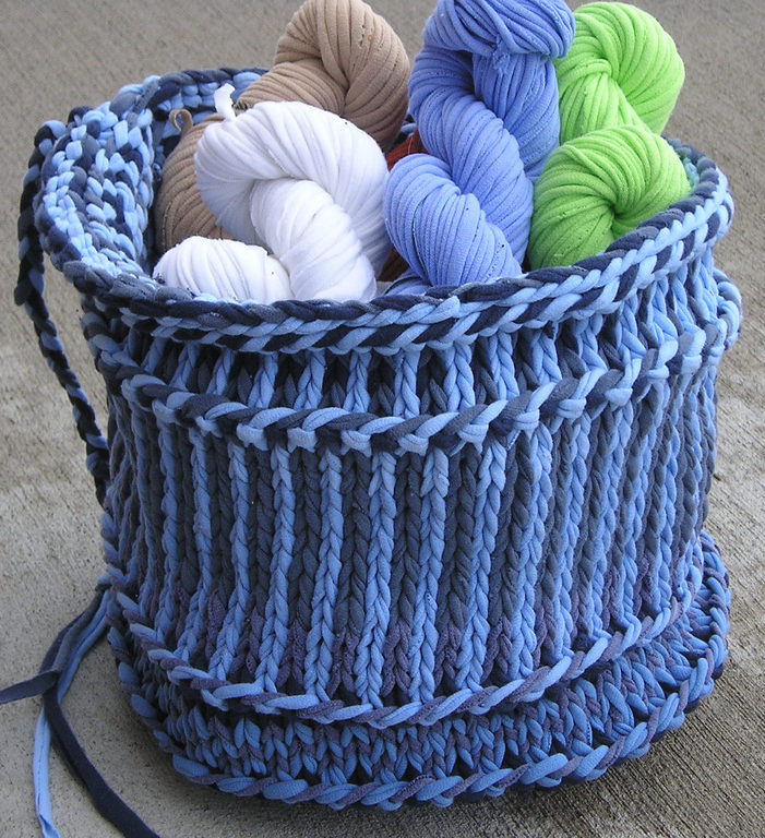 Free Knitting Pattern for Twined Basket using Tshirt Yarn
