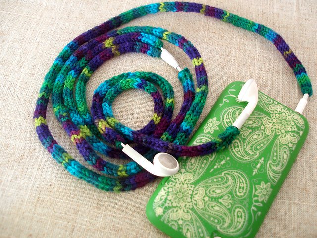 Knitting pattern for Untangled Ear Bud Cozies and more device knitting patterns