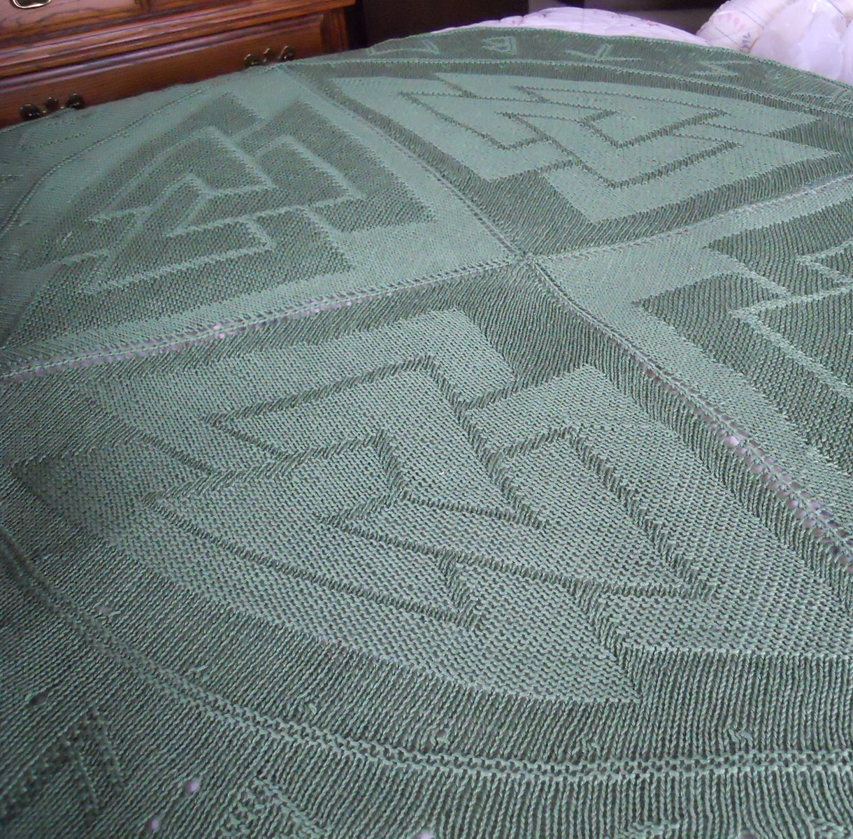 Free Knitting Pattern for Valknut Afghan