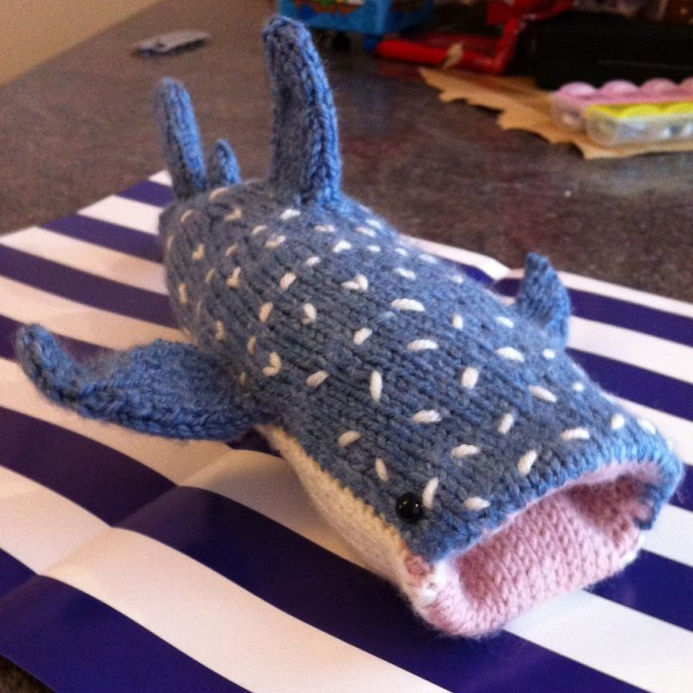 Free knitting for Whale Shark Phone Cover