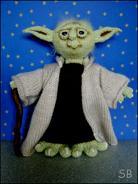 Knitting pattern for Yoda softie toy and more Star Wars knitting patterns
