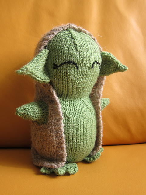 Free knitting pattern for Yoda amigurumi and more Star Wars inspired knitting patterns