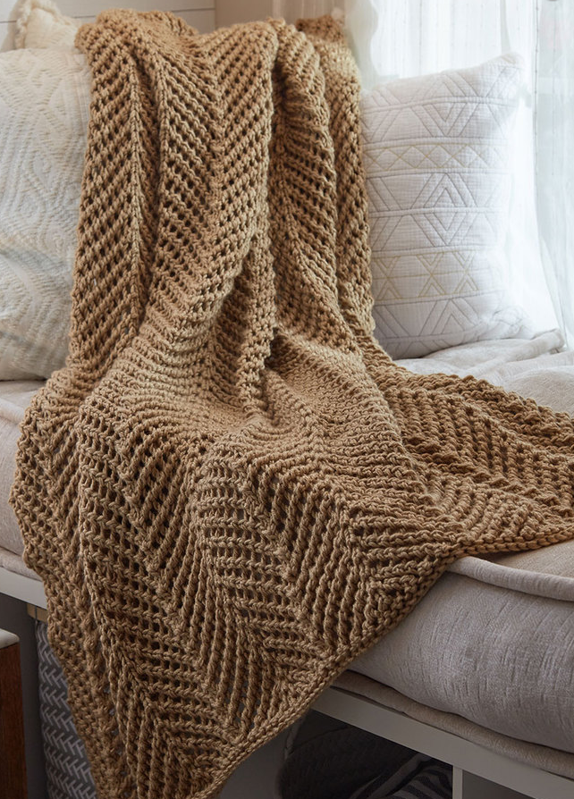 Free Knitting Pattern for 4 Row Repeat Zigging Throw