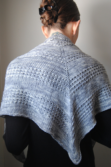 Free knitting pattern for Zilver Shawl