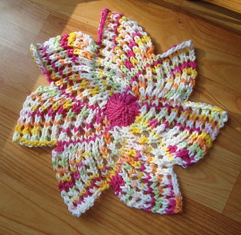 Free knitting for Zinnia Dish Cloth