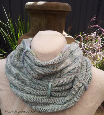 Icordion Cowl Free Knitting Pattern and more free cowl knitting patterns at http://intheloopknitting.com/cowl-knitting-patterns/