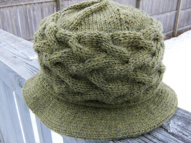 Limerick Hat Free Knitting Pattern | Free St. Patrick's Day Knitting Patterns at www.terrymatz.biz/intheloop/free-st-patricks-day-knitting-patterns