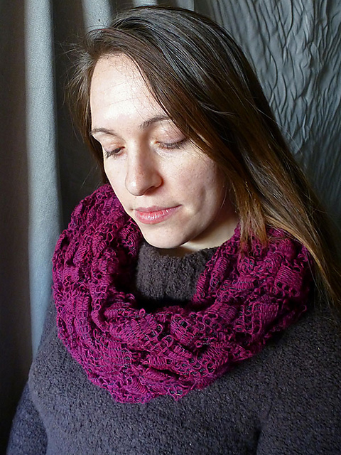Arm Knitting Cowl : Arm knitting and finger in the loop
