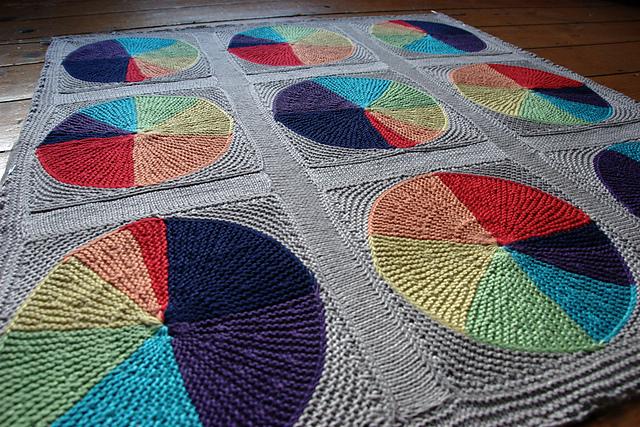 Easy as Pi(e) Blanket Free Knitting Pattern | Free Pi Day Knitting Patterns at www.intheloopknittng.com/free-pi-day-knitting-patterns
