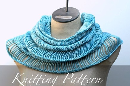 Beau Cowl Knitting Pattern and other cowl knitting patterns at http://intheloopknitting.com/cowl-knitting-patterns/