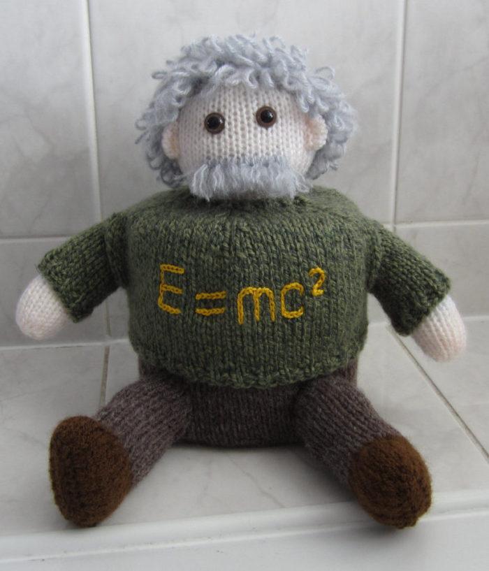 Knitting Pattern for Einstein Toilet Roll Cover