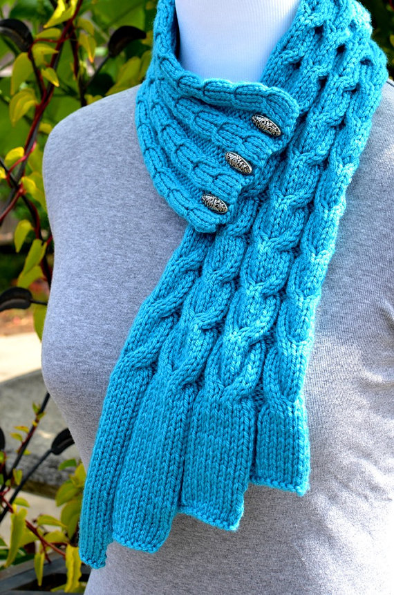 Knitting pattern for Waterfall Cables Scarf