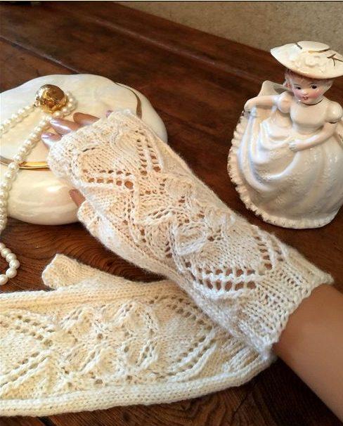 Knitting Pattern for Heart of Mine Fingerless Mitts