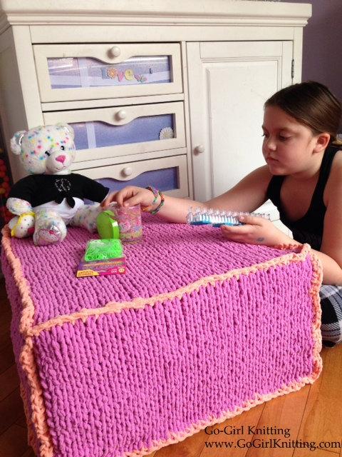 Knitting pattern for cube pouf ottoman