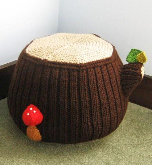 Knitting pattern for Tree Stump Ottoman