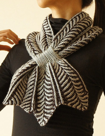 Self-Fastening Scarves and Shawls Knitting Patterns In the Loop Knitting