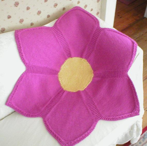 Knitting pattern for Flower Baby Blanket