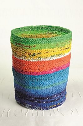 Knitting pattern for waste basket made of plastic bag yarn plarn