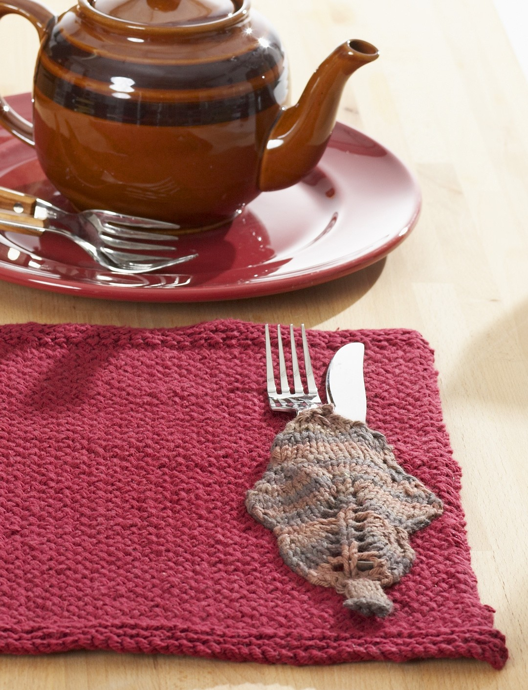 Free knitting pattern for Autumn Leaves Placemat