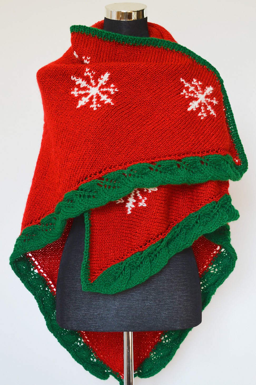 Holiday wear knitting patterns in the loop knitting christmas eve shawl bankloansurffo Choice Image