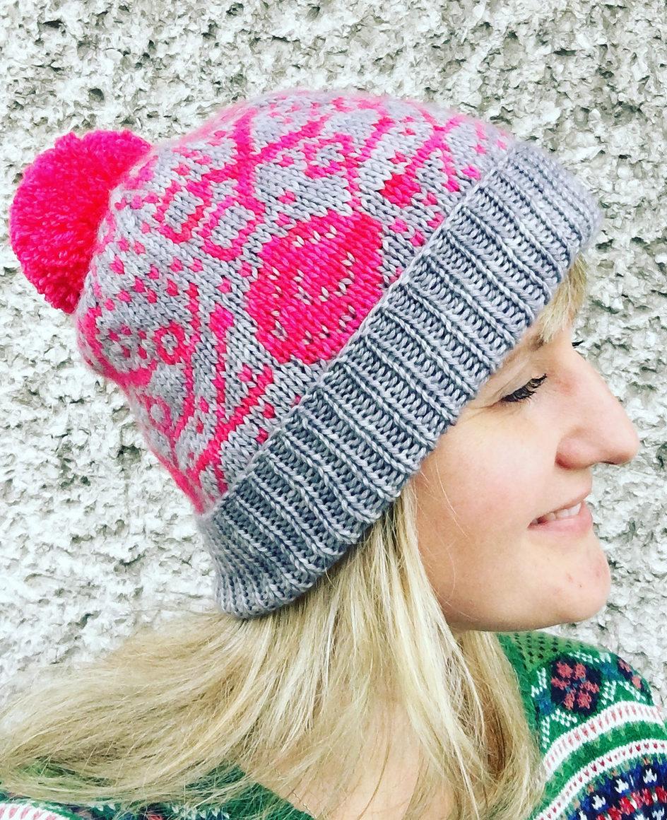 Free Knitting Pattern for Knitting Motifs Mindcraft Hat