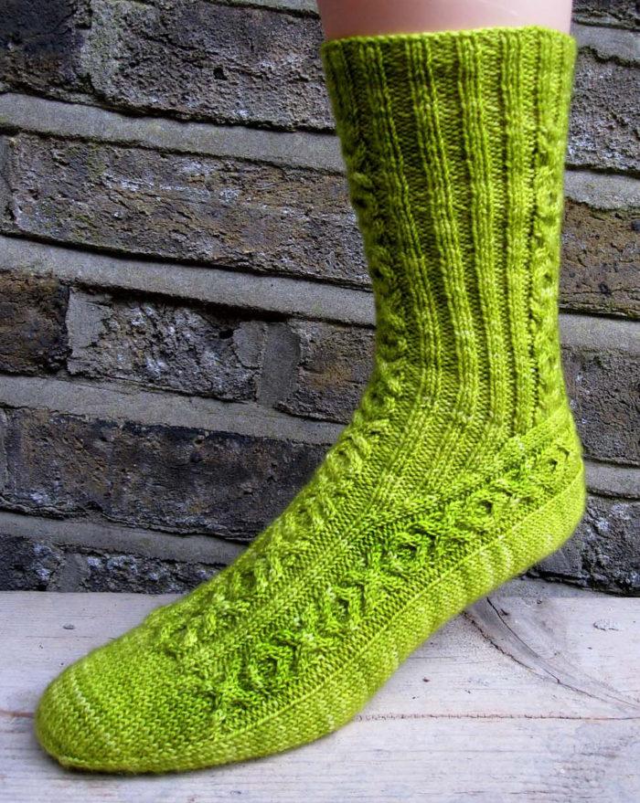 Free Knitting Pattern Hugs and Kisses Socks